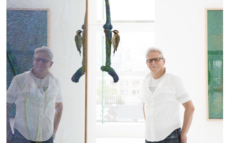 ヤン・ファーブル 玉虫色が照らし出す歴史の暗がりと生死の寓意