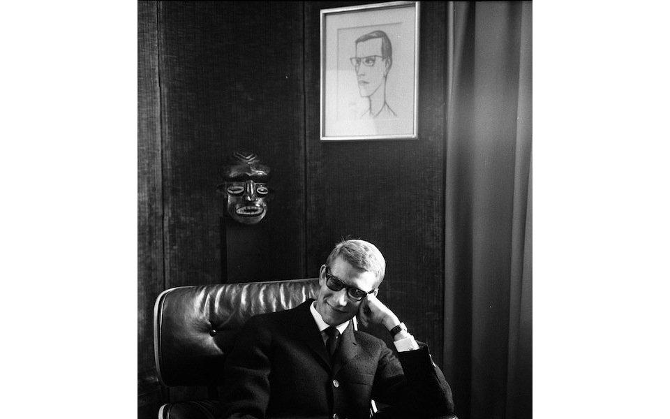 パリの人々をとらえた写真家、ロベール・ドアノーの個展が開催中
